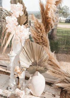 {Inspiração} Decoração para casamento com galhos, folhagens e flores secas em casamentos boho e folkCasar no Paraíso dá super dicas para fazer um casamento sustentável inesquecívelUm dia inesquecível entre as flores de HolambraCasamento no Campo: tudo o que você precisa saber