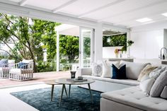 Three Birds Renovations: a white Santorini-style home made for luxury living Style At Home, Three Birds Renovations, Sala Grande, Australian Homes, Home Fashion, Luxury Living, Home Renovation, Outdoor Furniture Sets, Living Spaces