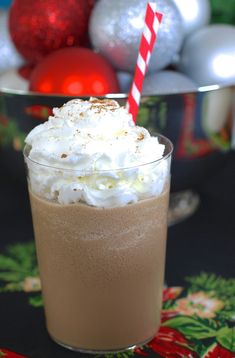 Frozen Gingerbread Coffee.. because nothing says holiday cheer like the taste of spicy gingerbread.