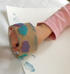 Old tape roll plus foam stickers=diy stamps Kids Crafts, Craft Projects, Craft Ideas, Homemade Stamps, Do It Yourself Inspiration, Child Life, Preschool Art, Diy For Kids, Activities For Kids