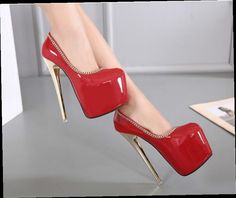 46.55$  Buy here - http://ali4rg.worldwells.pw/go.php?t=32773101460 - 2017 new sexy patent leather chain 18cm high heels High heels with fine metal round shoes 46.55$