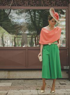 #estilismo #outfit perfecto para #invitada de #boda de @ohmylooks para #OhMySpringChic #tocado #pamela de @logamtocados y #pantalones de @rocknrom