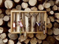 Ordnung für deine Schlüssel: ein Schlüsselbrett aus Ästen. Eine einfache Bastelanleitung für ein selbstgemachtes Geschenk.
