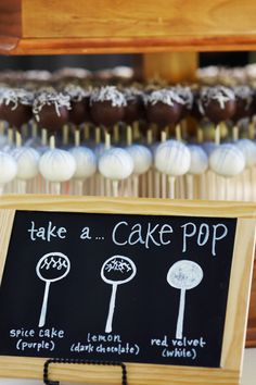 Salt-Free Cake Pops - - I've decided to give up sugar. Just kidding. Have we met? I love my sugar. And to celebrate the fact that I adore sweets of pretty much any flavor and variety, I made cake pops. Wedding Favour Displays, Food Wedding Favors, Wedding Desserts, Diy Wedding, Trendy Wedding, Wedding Cake Flavors, Wedding Ideas, Spring Wedding, Wedding Table