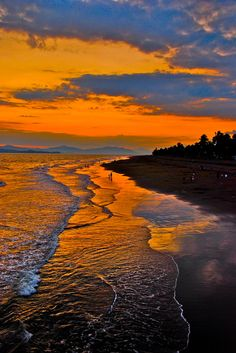 Costa Rican Sunset by Chris Taylor     Dawn Bumgarner-Westmoreland  • just now    A Rylee adventure in the making! :)