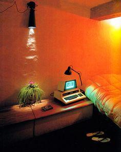 Interior Vintage - Bright Idea - Home, Room, Furniture and Garden Design Ideas 80s Interior Design, 1980s Interior, 80s Design, Interior And Exterior, Orange Interior, Nordic Interior, Slide Design, Interior Plants, Interior Doors
