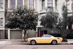 Photo of Old Yellow Car, San Francisco, Leica, Street Photography by San Francisco Photographer Manuel Guerzoni