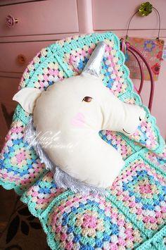 Unicorn Cushion  cushions Children's decor by vuelacomoelviento