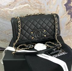 Chanel Caviar Quilted Medium Filigree Flap Bag #CHANEL Chanel Handbags, Luxury Handbags, Leather Handbags, Chanel Double Flap, Chanel Classic Flap, Miu Miu Purse, Leather Thread, Chanel Caviar, Chain Shoulder Bag