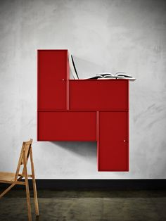 Montana Sound – a creative hifi set up in red. Montana Furniture, Danishes, Dresser As Nightstand, Danish Design, Reuse, Furniture Decor, Interior Inspiration, Objects, House Ideas