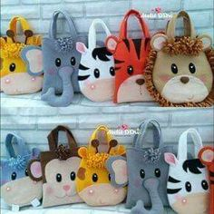 Best 12 Cute order that went there to Florianópolis – SC … Felt gift bags theme – SkillOfKing. Sewing For Kids, Baby Sewing, Diy For Kids, Gifts For Kids, Kids Crafts, Diy And Crafts, Sewing Crafts, Sewing Projects, Animal Bag