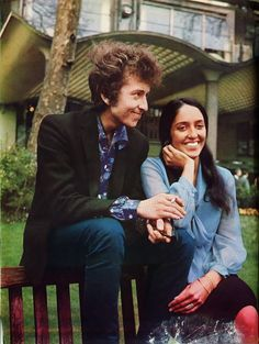 Bob Dylan and Joan Báez, uncredited