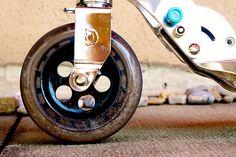Micro Scooter Flex Hulajnoga Micro Flex posiada kółka o średnicy 145 mm, elastyczny podest na wysokości ok 9 cm, tradycyjny hamulec, składane uchwyty oraz drążek, regulacja drążka odbywa się w zakresie 67 - 100 cm. Hulajnoga Micro Flex waży ok. 4,2 kg. Maksymalne obciążenie Micro Flex to 100 kg.  ttp://www.aktywnysmyk.pl/hulajnogi-micro/957-hulajnoga-micro-flex.html Micro Scooter, Coffee Maker, Coffee Maker Machine, Coffee Percolator, Coffee Making Machine, Coffeemaker, Espresso Maker
