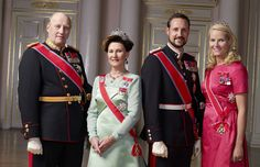 Crown Princess Mette-Marit wore this tiara for an official photo in 2007.