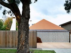 Kennedy Nolan completes Arts and Crafts-inspired home in Melbourne