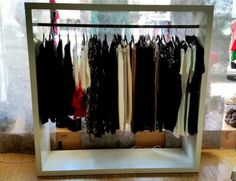 Ladeneinrichtung auf pinterest laden innenraumgestaltung ladeneinrichtungen und einzelhandel - Garderobe ebay kleinanzeigen ...