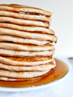 Whole wheat greek yogurt pancakes. not as fluffy/light as traditional pancakes. I'll stick with more traditional pancakes. Whole Wheat Pancakes, Pancakes And Waffles, Brunch, What's For Breakfast, Breakfast Recipes, Pancake Recipes, Crepes, Greek Yogurt Pancakes, Crack Crackers