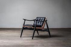 Luteca-AA-Atra-Chair-Angle 2.jpg