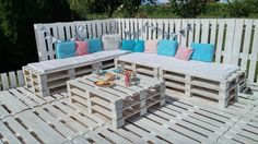 Garden made with wooden pallets!