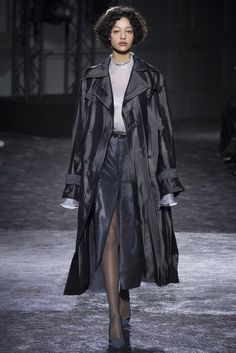 Nina Ricci | Fall 2016 Ready-to-Wear Collection | Vogue Runway