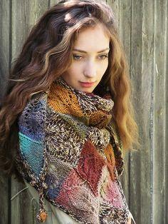 Thank you, Jane Araújo! Freeform Crochet, Crochet Shawl, Knit Crochet, Knitting Designs, Knitting Patterns, Shawl Patterns, Knitting Wool, Knitting Accessories, Knitted Shawls