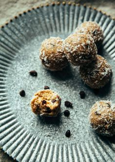 """Healthy Oatmeal Cookie Bites from """"The Minimalist Kitchen"""""""