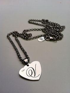 Collana in acciaio catena lunga , cuore con iniziale o frase