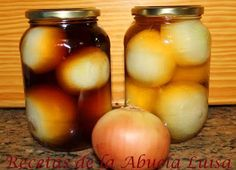 COMO CONSERVAR CEBOLLAS EN VINAGRE : Recetas de la Abuela Luisa Chutney, Kitchen Dishes, Canning Jars, Preserving Food, Canapes, Empanadas, Diy Food, Cilantro, Pickles