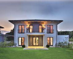 Moderne häuser zeltdach  Moderne Stadtvilla mit Zeltdach - Tauber Architekten und ...