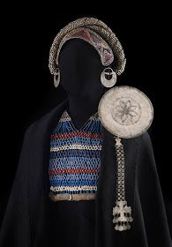 jewellery as a a prop on a mannequin Estilo Hippie Chic, Hippy Chic, Jose Luis Rodriguez, Indigenous Art, Textiles, Tribal Jewelry, Tribal Art, Jewelry Trends, Antique Jewelry