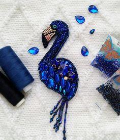 Брошь синий фламинго