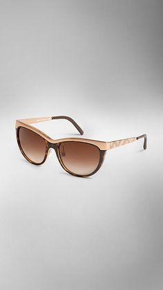 Gafas de sol con montura ojo de gato de la colección Trench coat   Burberry