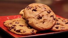 Make Mrs. Fields's Chocolate Chip Cookies at Home: Have you ever enjoyed a warm, chewy chocolate chip cookie fresh from the oven at Mrs. Fields and wondered how they make the cookies taste so good?