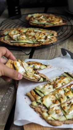 Zucchini tarte flambée with goat cheese - pollyandfrank.de - Zucchini tarte flambée with goat cheese – francescamyer. Gourmet Recipes, Vegetarian Recipes, Healthy Recipes, Clean Eating Snacks, Healthy Snacks, Eating Habits, Zucchini Tarte, Goat Cheese Pizza, Broccoli And Cheese