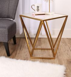 Maia side table Maia End Table - Marble Table Designs Bedroom Furniture Sets, Furniture Decor, Painted Furniture, Furniture Design, Geometric Furniture, Modern Furniture, Industrial Furniture, Chair Design, Vintage Furniture