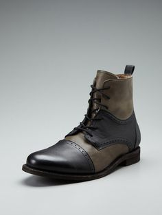 ~Amazing looking pair of two-tone wing-tip boots.
