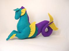 Marin the Hippocampus by Floydine on Etsy, just gotta add a horn Loosli Pipkin Sewing Crafts, Sewing Projects, Plushie Patterns, Toy Craft, Felt Toys, Plush Animals, Soft Sculpture, Felt Art, Textiles
