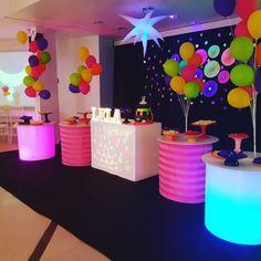 Neon Birthday, Girl Birthday Themes, Sweet 16 Birthday, 16th Birthday, Birthday Party Decorations, Birthday Parties, Party Fiesta, Neon Party, 80s Party