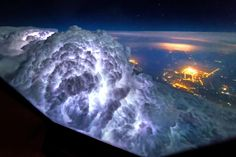 """Pilots actually have an amazing view of the world.Pilot from Holland Christian Van Heist and his friend Dan Krans made these fabulous photos showing various meteorological and astronomical phenomena seen from the cockpit.  The photo agency """"Amazing Aviation""""s specialized for making photos from the cockpit.  This storm cloud before the plane suddenly appeared in the sky as the plane flew over Shanghai. Pilot says they have to plane quickly to withdraw so as not to hit any of it. Recent…"""