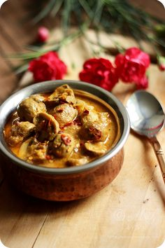 This recipe of Dahiwale Mushrooms or Mushroom Yogurt Curry is something you can whip up when you are pressed for time. Vegetarian Curry, Vegetarian Recipes, Cooking Recipes, Curry Food, Veggie Recipes, Indian Food Recipes, Asian Recipes, Ethnic Recipes, Indian Foods