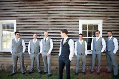 groom in black, groomsmen in grey - haven't thought of this, but I love it. >>> really if the bride gets to stand out from her maids, why shouldn't the groom stand out from his men? *M*