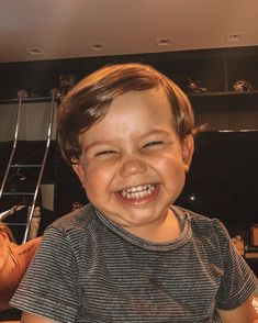 Cute Little Baby, Little Babies, Baby Kids, Cute Asian Babies, Cute Babies, Cute Baby Pictures, Baby Photos, Beautiful Children, Beautiful Babies