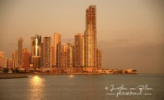 Click to CloseKnown for it's amazing canal, built in 1914, Panama has rapidly become one of North America's relocation destinations. With two oceans only 80 km apart and a rain forest like no other, this small, Central American country is prosperous, safe and very scenic. Enjoy the photos