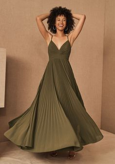 Fall Bridesmaids Dresses from BHLDN are here to give you the perfect colors on wedding day. Plus, they make great wedding guest dresses too! Emerald green, navy, gold and deep ruby, there's a stunning dress for every one of your girls! #gws #greenweddingshoes #bhldn #bridesmaids #dresses