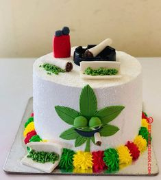 50 Most Beautiful looking Weed Cake Design that you can make or get it made on the coming birthday. Weed Birthday Cake, Funny Birthday Cakes, Cookie Cake Birthday, 18th Birthday Cake, Funny Cake, Birthday Cakes For Men, Themed Birthday Cakes, Bob Marley Cakes, Dentist Cake