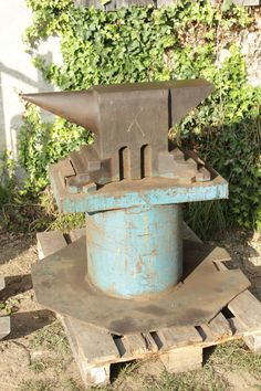 Forging Tools, Blacksmith Tools, Diy Forge, Blacksmithing, Hand Tools, Emerald, Paradise, Outdoor Decor, Projects