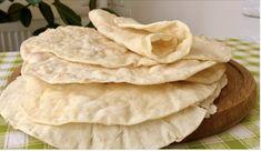 Ponto Croche - Um delicado e Novo Barrado . Snack Recipes, Cooking Recipes, Snacks, Flatbread Pizza, Crepes, No Cook Meals, Scones, Crackers, Bakery