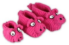 This adorable #free #knitting pattern for piggy slippers is just what you need for those chilly winter nights.  Check out the pins on this board for yarn suggestions!