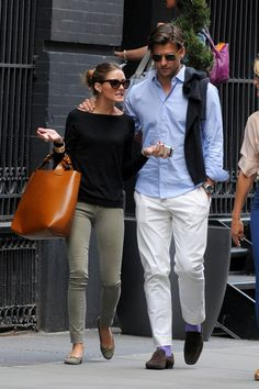 Uber-Stylish Couple: Olivia Palermo and Johannes Huebl Olivia Palermo Lookbook, Olivia Palermo Style, Casual Chic, Mode Outfits, Casual Outfits, Paris Mode, Stylish Couple, Fashion Couple, Looks Chic
