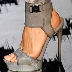 Using one of the color trends in shoes, Gucci presented heels with a wrapped ankle and contrasting buckle, the toe is open and the spike heel elegant. Wear with just about any sort of trousers footwear shoes heels heels footwear Dream Shoes, Crazy Shoes, Me Too Shoes, Pumps, Stilettos, High Heels, Grey Heels, Hot Shoes, Women's Shoes